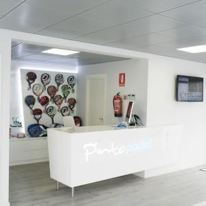 Indoormobel recepción pinto padel