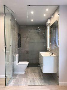 Mueble de baño lacado en blanco