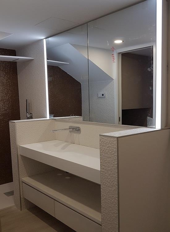 Mueble de baño y encimera de solid